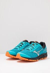 Mizuno - WAVE RIDER - Sportovní boty - bluebird/silver/autumn glory - 2