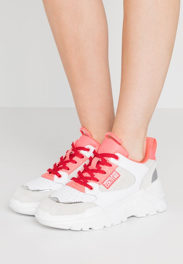 Trainers - white/pink