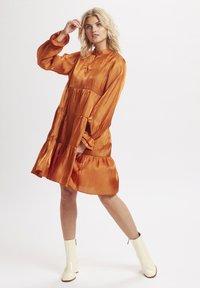 Karen by Simonsen - PANGKB  - Vestido informal - orange rust - 1