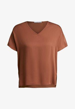 MIT V-AUSSCHNITT - Basic T-shirt - sequoia