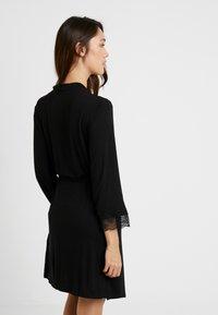 Etam - LIDDY DESHABILLE - Dressing gown - noir - 2