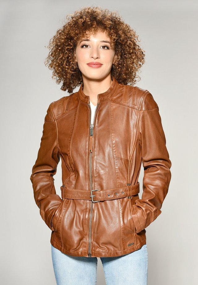 MIT HÜFTGÜRTEL EARTH - Leather jacket - cognac
