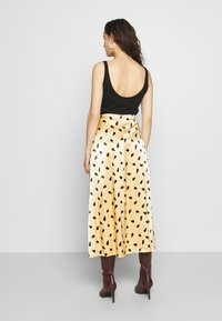Gestuz - LUTILLEGZ SKIRT - A-line skjørt - yellow black dot - 2