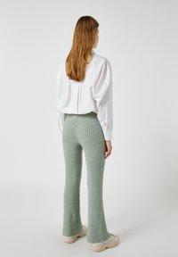 PULL&BEAR - Pantaloni - green - 2