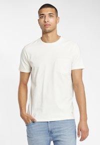 Lee - TEE - T-shirt basique - glow orange - 0