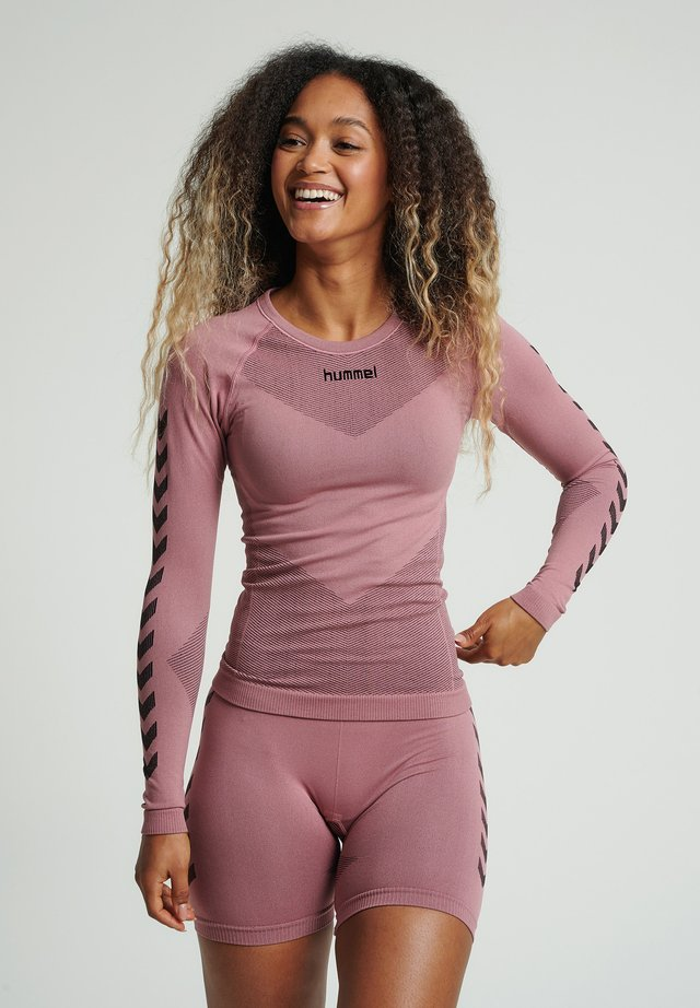 FIRST SEAMLESS WOMAN - Langærmede T-shirts - dusty rose