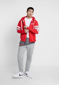 Nike Sportswear - HOODIE - Sudadera con cremallera - university red/white/black - 1