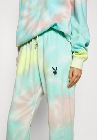 Missguided - PLAYBOY TIE DYE JOGGER - Tracksuit bottoms - multi - 4