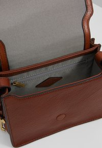 Fossil - WILEY - Across body bag - brown - 4