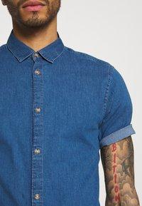 Only & Sons - ONSTROY LIFE CHAMBRAY STRETCH  - Overhemd - medium blue denim - 3