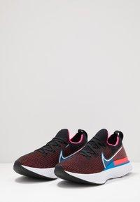 Nike Performance - REACT INFINITY RUN FK - Juoksukenkä/neutraalit - black/white/red orbit/photo blue/pink blast - 2