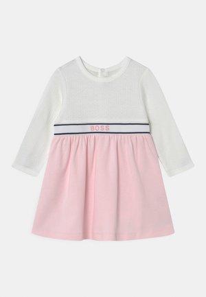 DRESS - Jerseyjurk - white pink