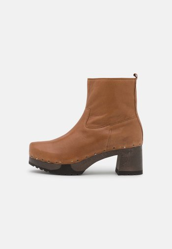 HAZEL - Classic ankle boots - camel