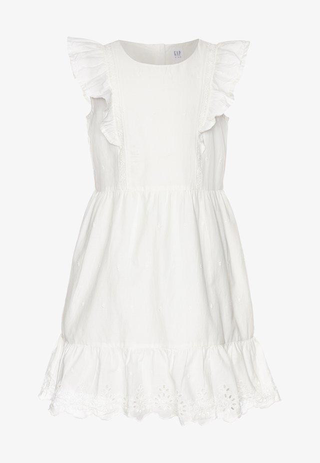 GIRL V-EYELET DRESS - Vardagsklänning - new offwhite