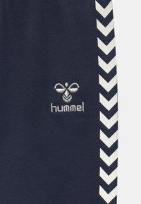 Hummel - LINE UNISEX - Jogginghose - black iris - 2