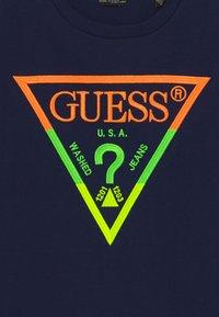 Guess - JUNIOR - Camiseta estampada - dark blue - 3