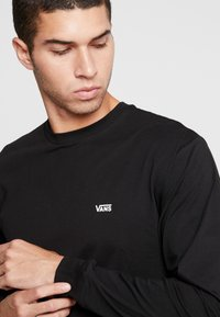 Vans - LEFT CHEST HIT - Bluzka z długim rękawem - black/white - 3
