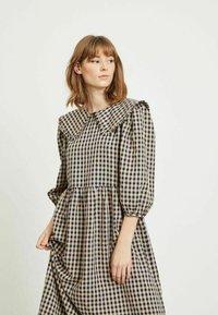 Vila - Day dress - navy blazer - 3