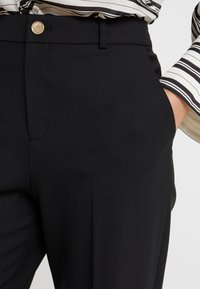 Club Monaco - BORREM PANT - Trousers - black - 4