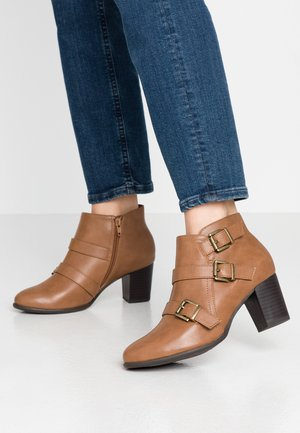 WIDE FIT WREN - Ankle boots - camel