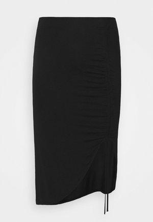PCNEORA STRING  SKIRT CURVE - Pencil skirt - black
