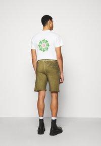 Han Kjøbenhavn - Shorts - green crush - 2