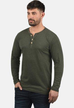 VOLKO - Long sleeved top - olive