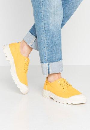 PAMPA ORGANIC - Sneakers laag - yellow