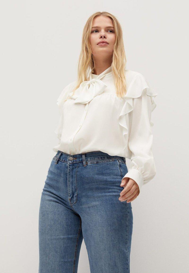 Violeta by Mango - LINDA - Button-down blouse - gebroken wit