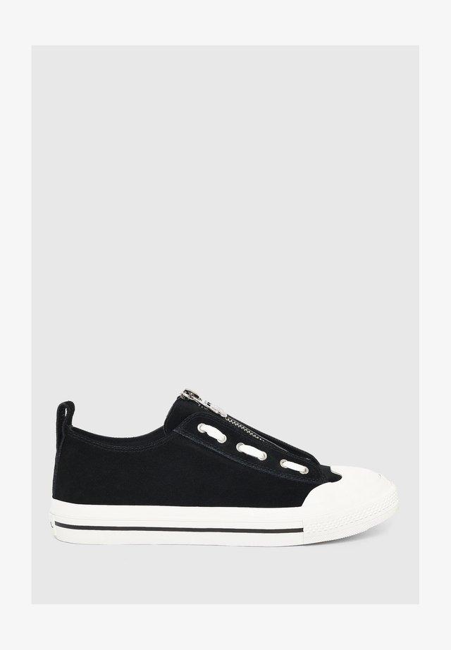 ASTICO - Sneaker low - black