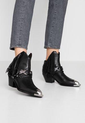 FREAK - Cowboy/biker ankle boot - black