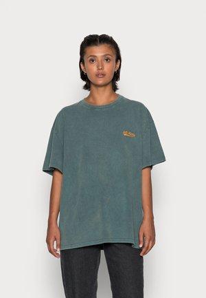 BOYFRIEND TEE - T-shirt basic - green vetiver