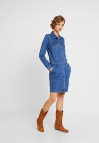 s.Oliver - KURZ - Denim dress - blue denim - 2