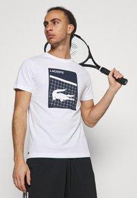 Lacoste Sport - GRAPHIC - T-shirt con stampa - white - 3