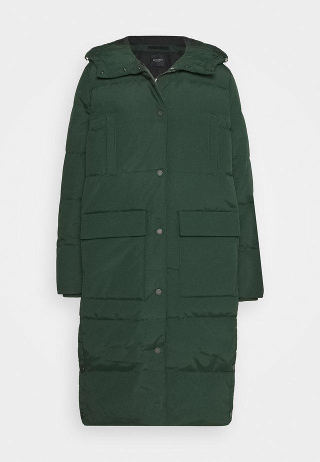 SLFJENNY COAT - Kabát zprachového peří - scarab