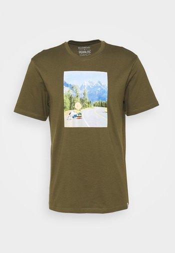 PEANUTS ADVENTURE - Printtipaita - army