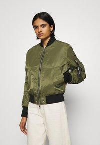 Diesel - W-SWING JACKET - Bomber Jacket - military green - 0