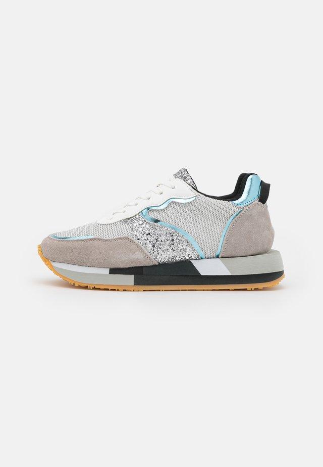 EVA GLITTER SIDE - Sneakers - silver