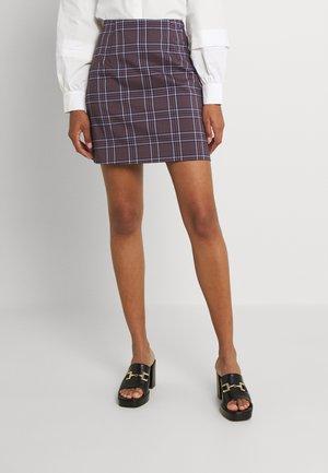 VIBALO CHECK SHORT SKIRT - Mini skirt - rose/black/violet tulip