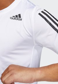 adidas Performance - TECHFIT 3-STRIPES FITTED T-SHIRT - Sports shirt - white - 3