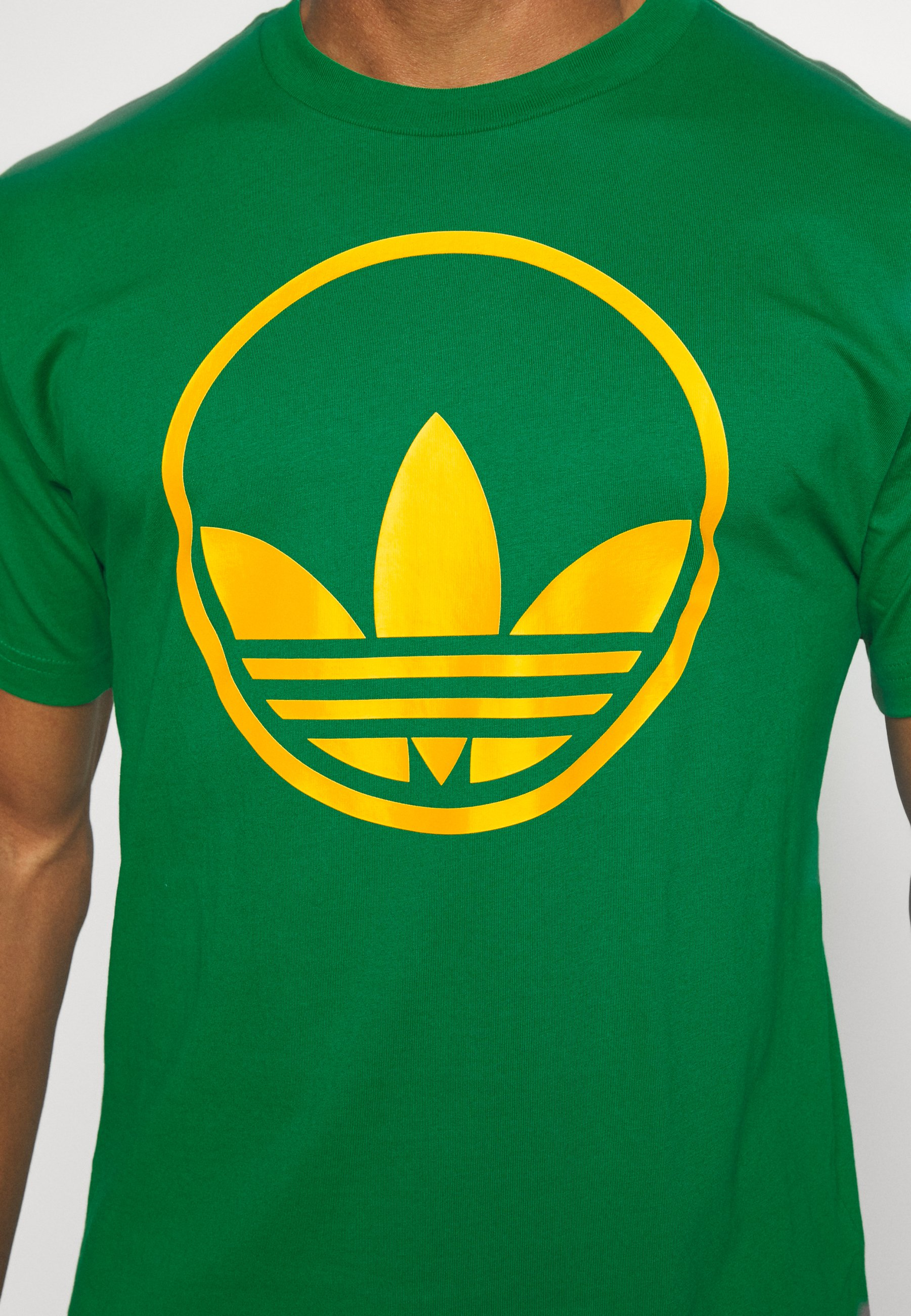 Adidas Originals Circle Trefoil - T-shirts Med Print Green/grønn