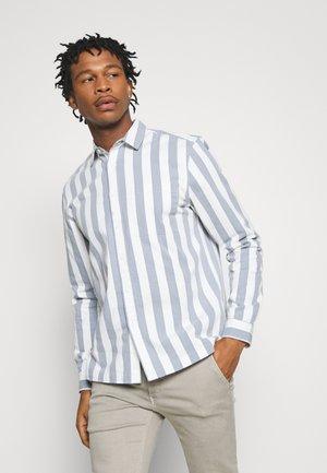 MIKEY STRIPE - Shirt - light blue/white