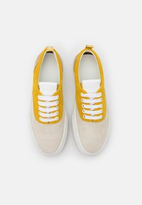 CLOSED - CHILLI - Trainers - strong mustard - 4