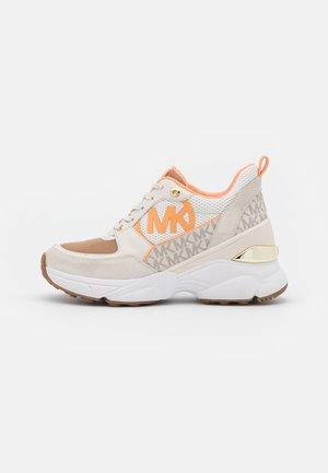 MICKEY TRAINER - Sneakers laag - vanilla/cream