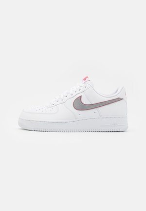 AIR FORCE - Sneakersy niskie - white/silver/anthracite/university red