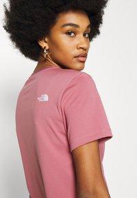 The North Face - Camiseta estampada - mesa rose - 4