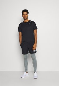 Nike Performance - Tights - smoke grey/reflective silver - 1