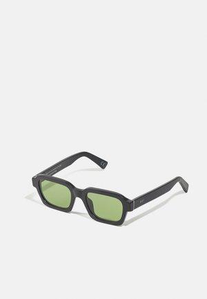CARO UNISEX - Gafas de sol - black matte