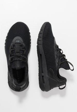 HOVR STRT - Chaussures de running neutres - black