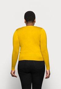 Marks & Spencer London - CREW CARDI PLAIN - Strikjakke /Cardigans - yellow - 2